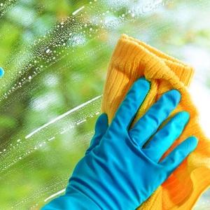 Detergenti pulizia vetro